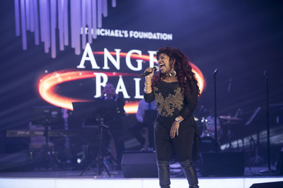 Chaka Khan performs at the Angel Ball gala. Photo by Peter Bregg, courtesy of St. Michael's Hospital (CNW Group/St. Michael's Hospital)