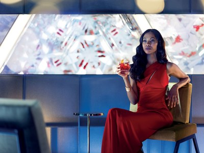 Lead protagonist Mia Parc, played by Zoe Saldana, enjoying the perfect Campari cocktail. Credit: Matteo Bottin (PRNewsfoto/Campari)