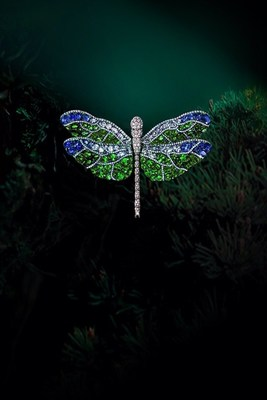 "An exclusive showcase of the ""Dragonfly Series"" by AKACHEN presents vivid dragonfly figures and movements with cleverly mounted coloured gemstones. (PRNewsfoto/UBM Asia Ltd., Taiwan Branch)"