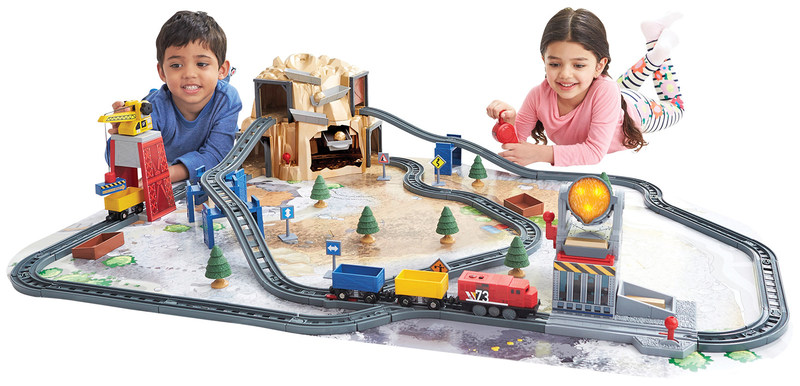 """Créez votre aventure ferroviaire jusqu'à Gold Mountain avec ce jeu de train Power Rails Gold Mountain d'Imaginarium Express (Groupe CNW/Toys """"R"""" Us (Canada) Ltd.)"""