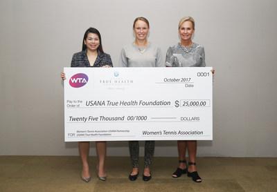 Sr. Field Development Manager of USANA Singapore, Yee Pei, World No. 6 Caroline Wozniacki and WTA President Micky Lawler