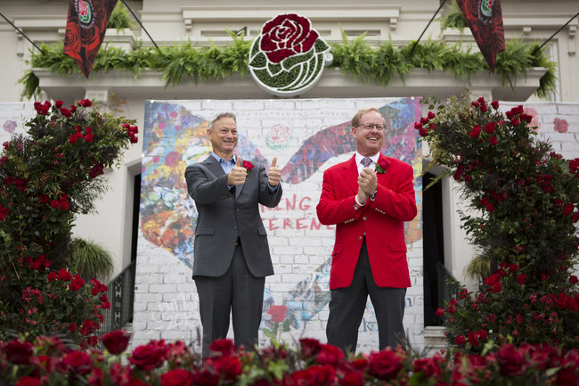 2018 Tournament of Roses Grand Marshal Gary Sinise, 2018 Tournament of Roses President Lance Tibbet (photo courtesy, Michelle Mishina Photo)