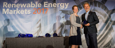 Carolyn Snyder, Director of the U.S. EPA's Climate Protection Partnerships Division, presents Bill Strang, TOTO USA's President of Operations and eCommerce, with one of its 2017 Green Power Leadership Awards. TOTO runs 100% of its Morrow plant's operations with nearly 12 million kilowatt-hours (kWh) of green power, the equivalent of more than 1,000 average American homes' electricity use per year.