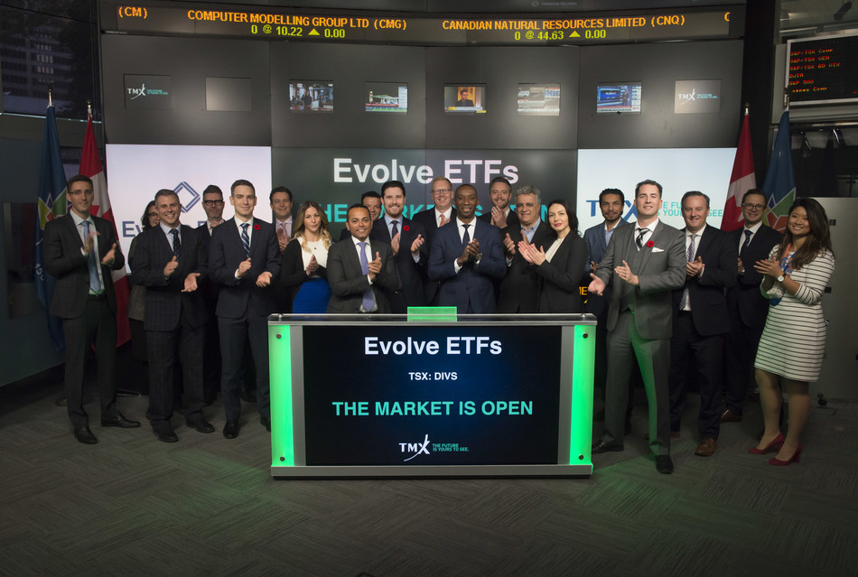 Raj Lala, President & CEO, Evolve ETFs, joined Rob Peterman, Vice-President, Global Business Development, TMX Group, to open the market to launch Evolve Active Canadian Preferred Share ETF (DIVS). Evolve ETFs provides Canadian investors with investment solutions and access to some of the world's largest investment managers. DIVS commenced trading on Toronto Stock Exchange on September 29, 2017. (CNW Group/TMX Group Limited)