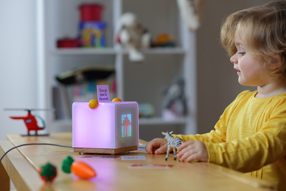 Yoto, a family designed 'clever speaker', launches on Kickstarter and is set to revolutionise the way children listen and learn. (PRNewsfoto/Yoto)