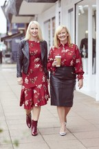 Ali Hall (left)  Julie Lavington (right) Co-Founders and CEO's of Sosandar PLC (PRNewsfoto/Sosandar)