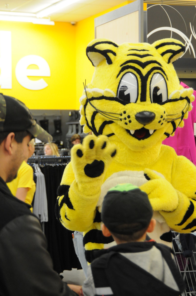 Friendly, le Tigre Géant (Groupe CNW/Giant Tiger Stores Limited)