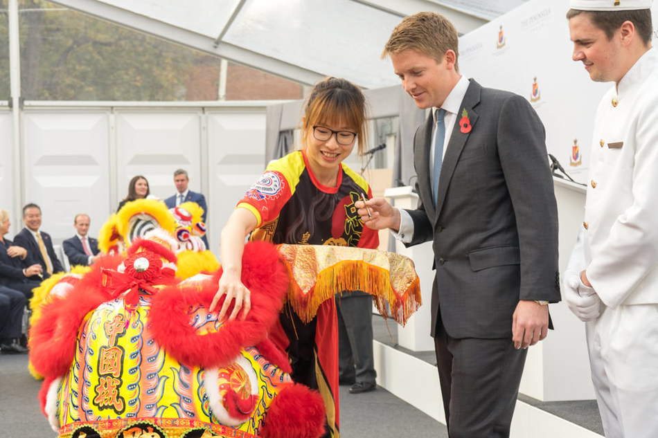 The Duke of Westminster dotting the eye of the lion at the groundbreaking ceremony of The Peninsula London on 2 November 2017 (photo credit: Robin Ball) (PRNewsfoto/The Hongkong and Shanghai Hotel)