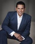 Doctor Ganador de un Emmy y conductor del talk show 'Doctor Nandi' se une a la familia de HITN TV