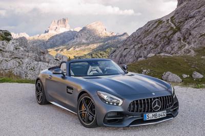 En octobre, Mercedes-Benz Canada a réalisé des ventes au détail de 1 842 voitures de tourisme (+10,8 %) et de 1 924 utilitaires légers de luxe (+18,5 %), soit un total de 3 766 véhicules (+14,6 %). (Groupe CNW/Mercedes-Benz Canada Inc.)
