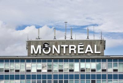 Montréal is Cohen! In November, the city pays tribute to Leonard Cohen through multiple events. Aéroports de Montréal celebrates in partnership with the Musée d'Art Contemporain (MAC) and salute this great Montreal artist. Hats off to Mister Cohen! (CNW Group/Aéroports de Montréal)