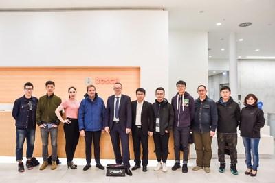 Diretores da Chery e Vice CEO da Bosch Sr. Gaenzler (PRNewsfoto/China.com)