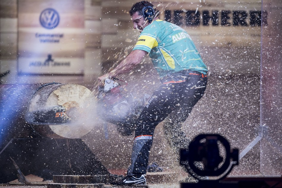Australia's Brad De Losa made a technical mistake with his extremely customized racing chain saw (Hot Saw). In the end, that cost him the STIHL TIMBERSPORTS World Championship title. (PRNewsfoto/STIHL TIMBERSPORTS Series)