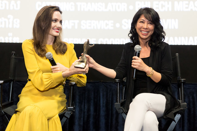 "Angelina Jolie and Loung Ung Accept The ""RISING STAR AWARD"" on Behalf of Sreymoch Sareum"
