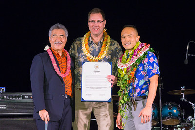 "Governor Ige declared Nov. 6 ""Alaska Airlines Day"" onstage with Alaska Airlines CEO Brad Tilden and Alaska Airlines director of sales, community and public relations for Hawaii. Alaska Airlines Photo by Bradley Goda."