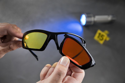 Interchangeable lenses allow the user to detect evidence faster.