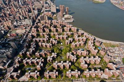 Blackstone et Ivanhoé Cambridge annoncent le plus important projet de panneaux solaires sur toiture d'un complexe multirésidentiel privé aux États-Unis à Stuyvesant Town-Peter Cooper Village (Groupe CNW/Ivanhoé Cambridge)