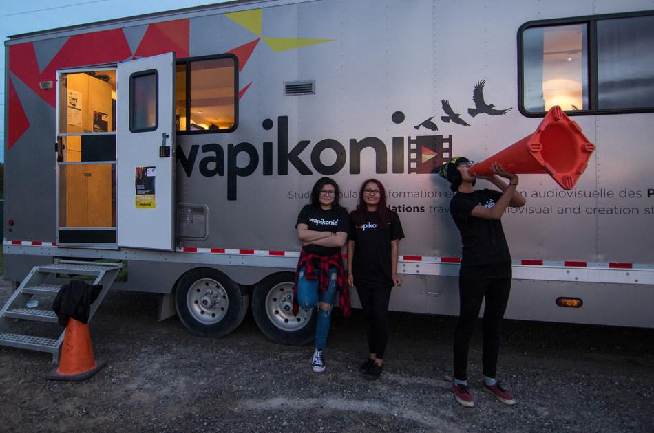 2017 Wapikoni workshop in Wiikwemkoong, Ontario (CNW Group/Wapikoni mobile)