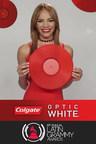 Nominada al Latin GRAMMY® y Estrella de YouTube se Unen a Colgate® Optic White® durante la 18.a Entrega Anual del Latin GRAMMY® en Las Vegas para Llevar Sonrisas a los Fanáticos de la Música Latina