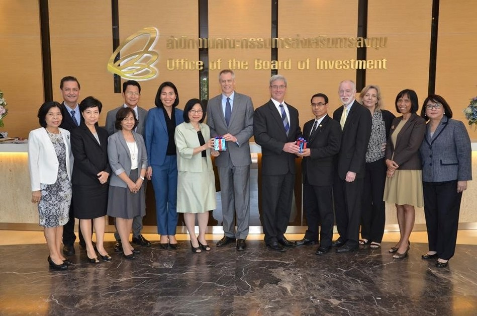 BOI's Secretary General welcomed President of AMCHAM (PRNewsfoto/Thailand Board of Investment (B)