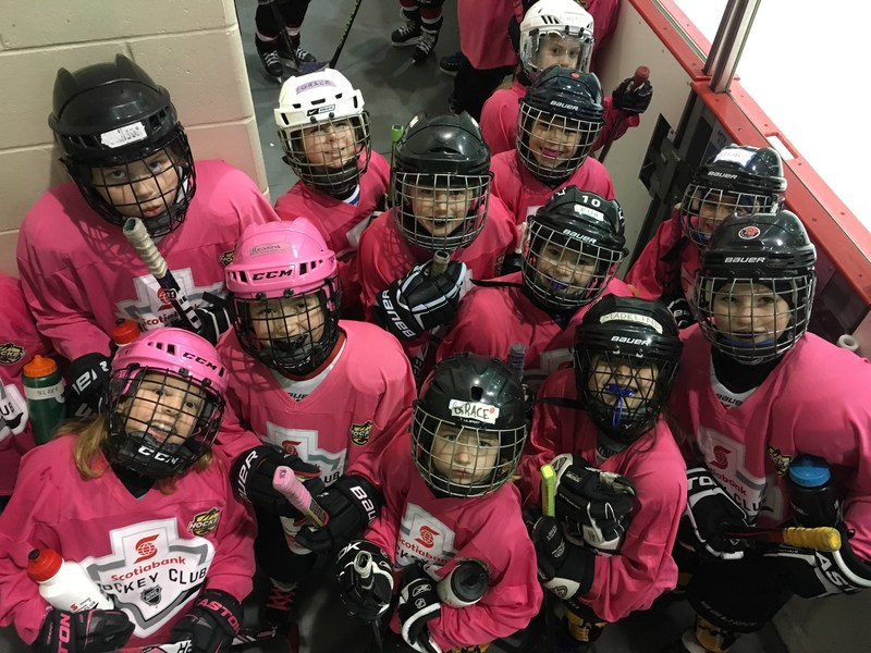 Past Scotiabank Girls HockeyFest participants (CNW Group/Scotiabank)