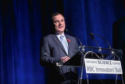 Bruce Ross, RBC Group Head, Technology & Operations announces his company's renewed three-year commitment as title sponsor at the 2017 RBC Innovators' Ball, supporting the Ontario Science Centre and its vital community access programs. (CNW Group/Ontario Science Centre)