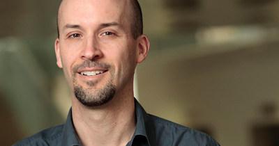Le professeur Nicolas Bélanger, du Département Science et Technologie de l'Université TÉLUQ (Groupe CNW/Université TÉLUQ)