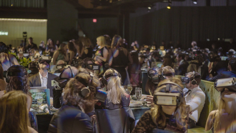 Record setting audience with WeLens wireless VR headsets (Photo Credit: Alex Suber)