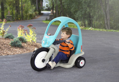 The Simplay3 Super Coupe Pedal Trike was awarded the Oppenheim Toy Portfolio Platinum Seal Award 2017