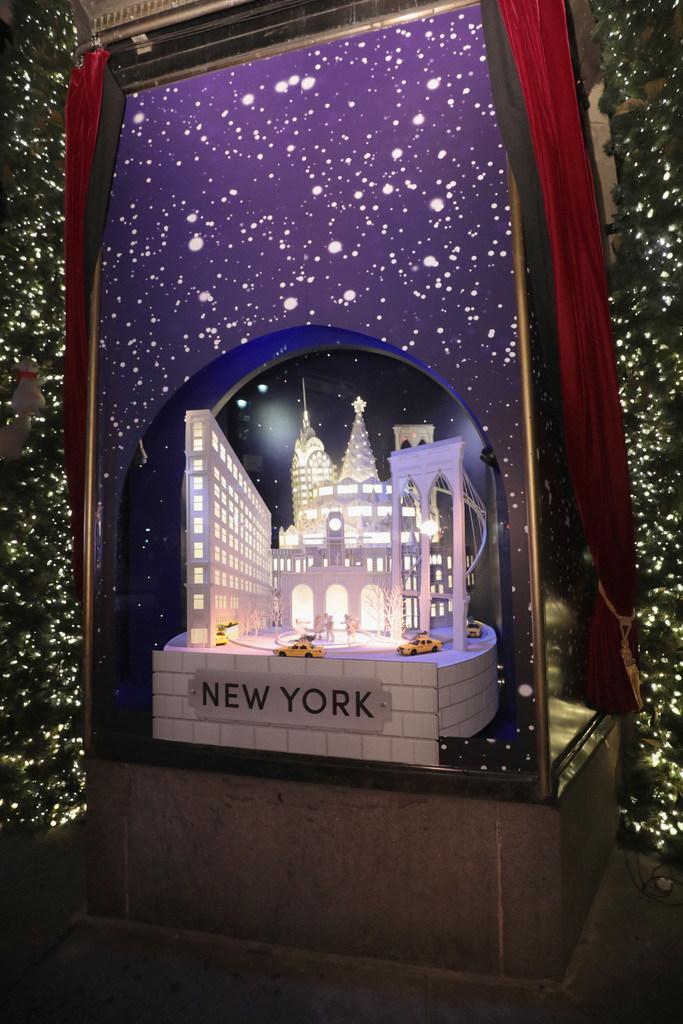 Windows Kick Off the Holiday Season