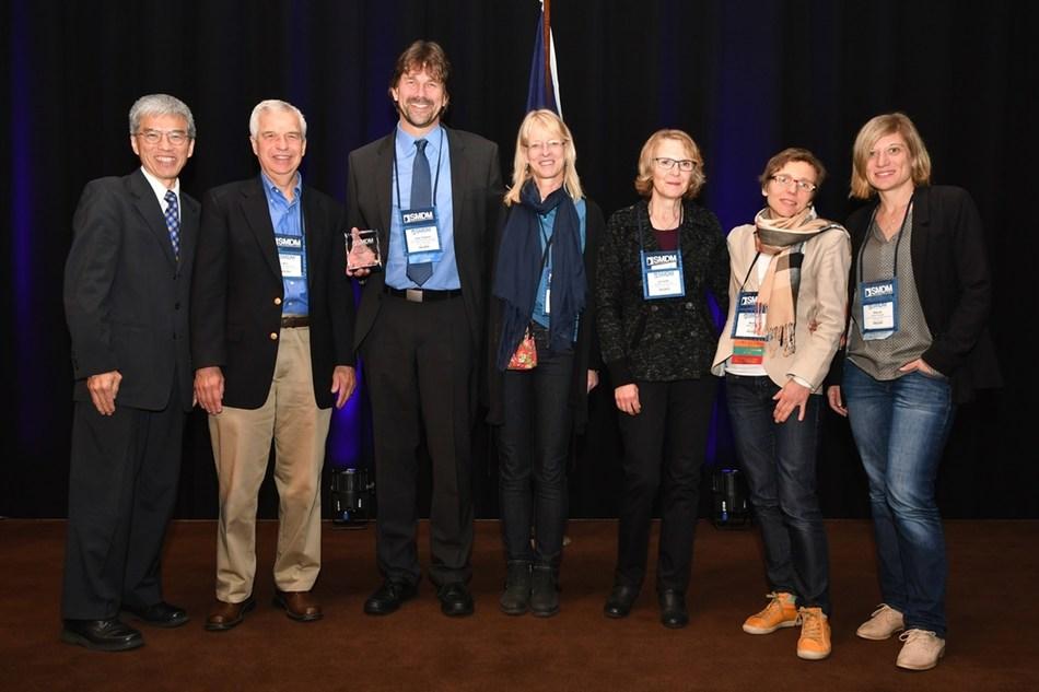 Prof. Uwe Siebert received the SMDM Award for Distinguished Service. From left to right: Awards Committee Chair Prof. John B. Wong (Tufts University, Boston), Mentor Prof. Milton C. Weinstein (Harvard University, Boston), Award Recipient Prof. Uwe Siebert (UMIT, Hall in Tyrol, and Harvard University, Boston), UMIT team members Dr. Silke Siebert, Dr. Annette Conrads-Frank, Assistant-Prof. Beate Jahn, Dr. Sibylle Puntscher. Foto Credit: Sybille Puntscher (PRNewsfoto/UMIT)