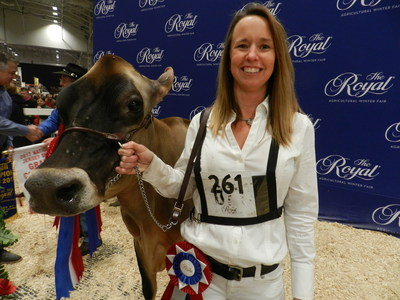 Photo of Annette Ostrom and Martha – R.I. Tennison photo (CNW Group/Royal Agricultural Winter Fair)