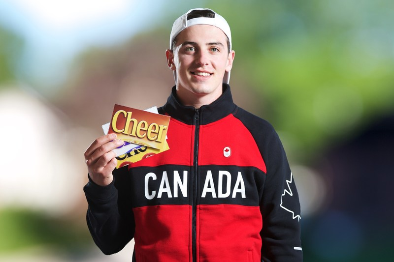 Iconic yellow Cheerios box altered to cheer for Team Canada (CNW Group/General Mills Canada)