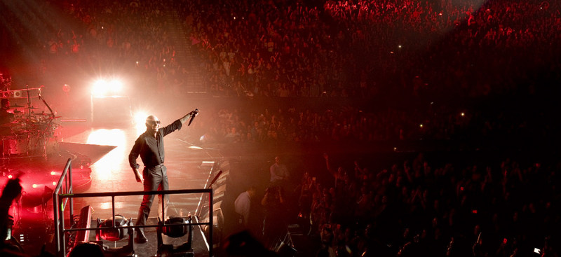 Enrique Iglesias and Pitbull Live! Tour Image Credit: Greg Watermann