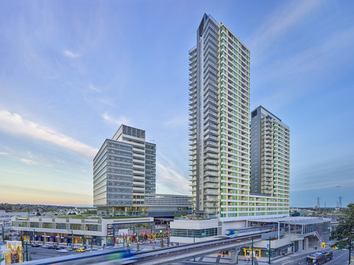 Marine Gateway by PCI Developments is a multi-award winning community built directly into a busy rapid transit line station. (CNW Group/PCI Developments)