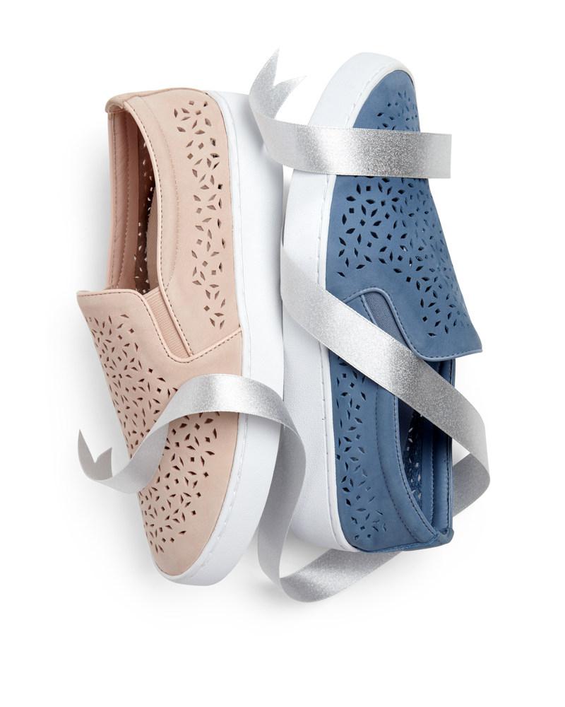 Vionic en vedette sur la liste des favoris d'Oprah 2017 - Les chaussures de sport Midi Perf de Vionic figurent dans le guide-cadeaux convoités des Fêtes (PRNewsfoto/Vionic)