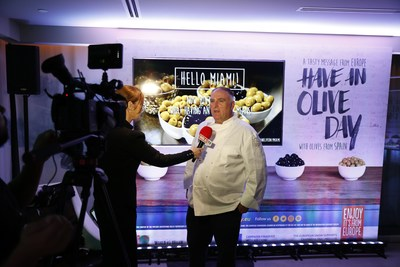 "Olives from Spain, the European Union and Michelin-Starred Chef José Andrés Showcase ""Have an Olive Day"" in Miami (PRNewsfoto/Olives from Spain)"