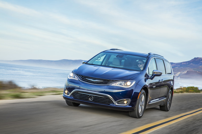 Chrysler Pacifica Hybrid named 2018 Green Car Reports Best Car to Buy