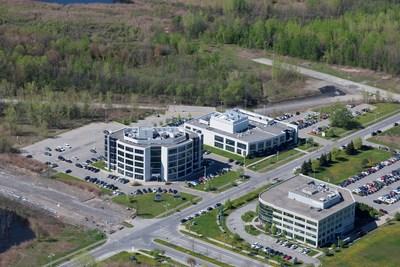7150 Alexander Fleming, Montréal (Québec); 2250 Alfred-Nobel, Montréal (Québec) (Groupe CNW/Fonds de placement immobilier BTB)