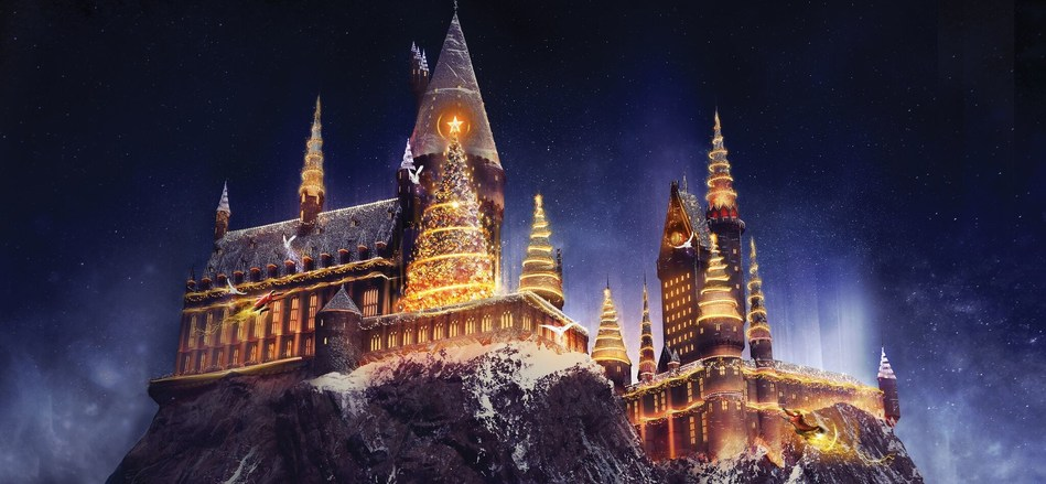 Part of the magic in Orlando's holiday events, Universal Orlando will transform Hogwarts into a holiday extravaganza with Christmas in The Wizarding World of Harry Potter, starting Nov. 18. (PRNewsfoto/Visit Orlando)