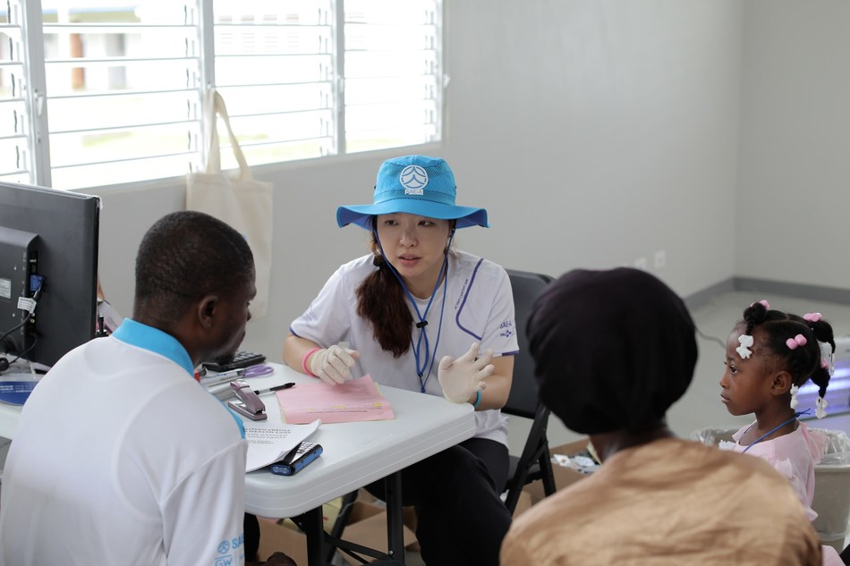 A medical team from the Pusan National University Yangsan Hospital, the South Korea, is providing medical treatment during Sae-A Trading's 5th medical mission in Haiti.