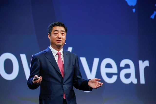 Ken Hu delivering a keynote speech at the MBB Forum. (PRNewsfoto/Huawei)