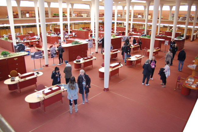 Guests enjoy the SC Johnson Administration Building Great Workroom during a recent tour. Photo courtesy SC Johnson