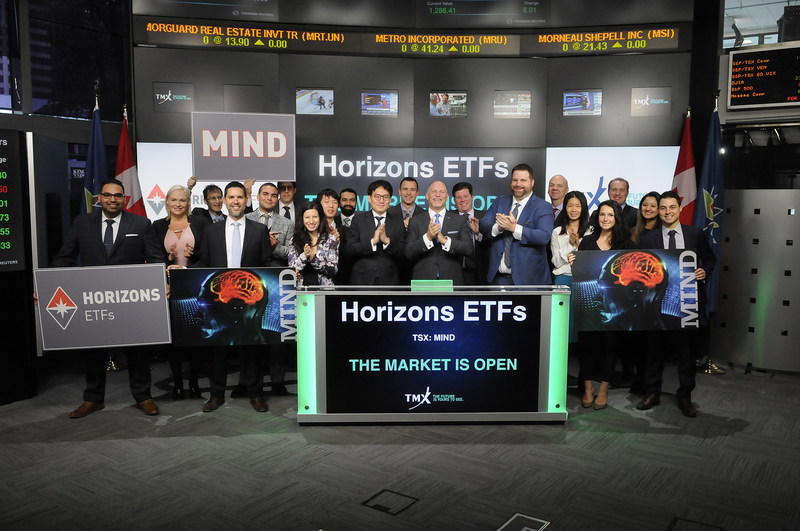 Steve Hawkins, President and Co-CEO, Horizons ETFs, joined Dani Lipkin, Head, Business Development, Exchange Traded Funds, Closed-End Funds, and Structured Notes, TMX Group, to open the market to launch Horizons Active A.I. Global Equity ETF (MIND). Horizons ETFs is a financial services company and a subsidiary of the Mirae Asset Financial Group. Horizons currently has 80 Exchange Traded Funds listed on Toronto Stock Exchange, with a market capitalization of over $8.9 billion. MIND commenced trading on Toronto Stock Exchange on November 1, 2017. (CNW Group/TMX Group Limited)
