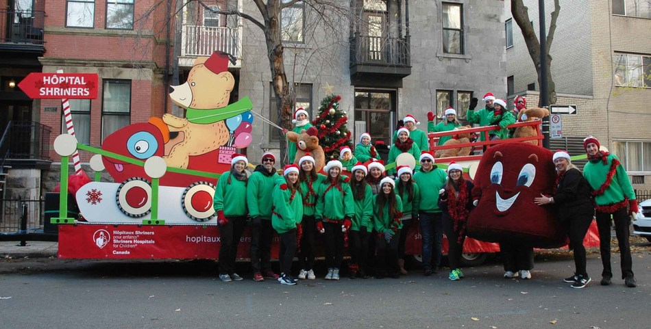 Karnak Shriners and Shriners Hospitals for Children® - Canada are proud to be part of the Santa Claus Parade 67th edition (CNW Group/Shriners Hospitals For Children)