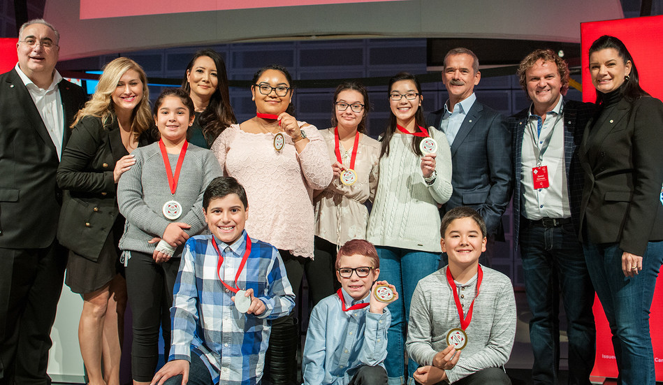 Seven inspiring HSBC Future Leaders from across Canada with guests Col. Chris Hadfield, Ziya Tong (Discovery Channel), Larry Tomei (HSBC), Kim Toews (HSBC) at a special recognition event held at the Ontario Science Centre in Toronto, Saturday, September 18. (CNW Group/HSBC Bank Canada)