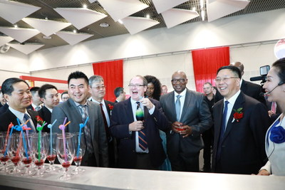 Chinese national liquor Moutai launched a promotion drive in Cape Town on November 17, 2017 in a bid to enter the African market. This photo shows Cape Town Deputy Mayor Alderman Ian Neilson (Third from right) tasting Moutai cocktail. First on the right is Moutai Group General Manager Li Baofang.