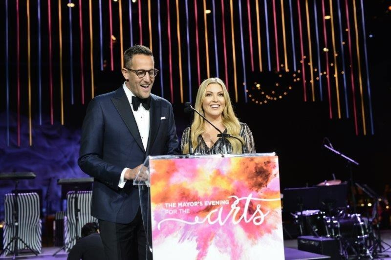 Noah Cappe and Cheryl Hickey host the Mayor's Evening for the Arts at the Metro Toronto Convention Centre. The event raised money in support of Arts in the Parks, a Toronto Arts Foundation initiative that brings free arts events to parks across the city. (CNW Group/Toronto Arts Foundation)