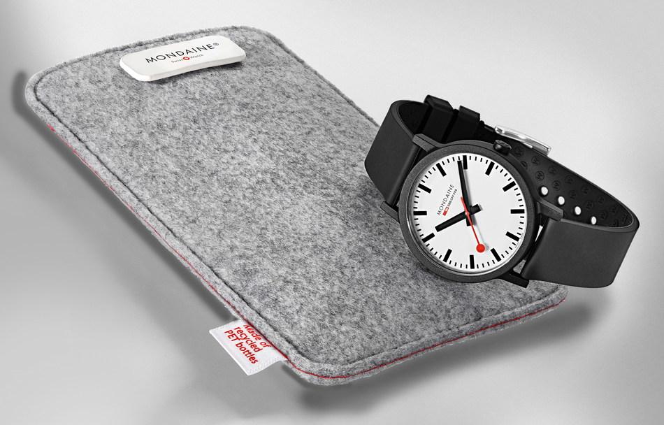 Mondaine essence - pouch & watch (PRNewsfoto/Mondaine Watch Ltd.)