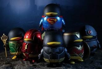 Muñeca co-branding de QQ y Justice League